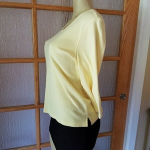 Liz Claiborne Tops - Liz Claiborne Butter Yellow V-Neck Long Sleeve Top